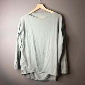 Lululemon green long sleeve tee shirt 10